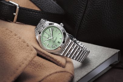 03_chronomat-automatic-36-with-a-pale-green-dial_ref.-u103800101l1a1.jpg
