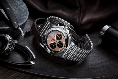 06_chronomat-b01-42-with-a-copper-colored-dial-and-black-contrasting-chronograph-counters.jpg