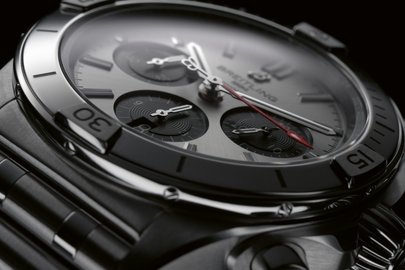 03_chronomat-b01-42-with-a-silver-dial-and-black-contrasting-chronograph-counters.jpg