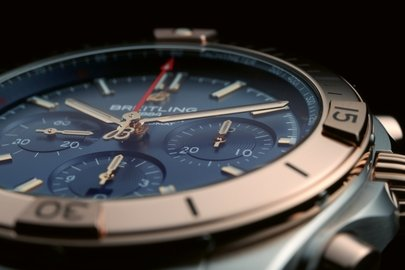 17_two-tone-chronomat-b01-42-with-a-blue-dial-and-tone-on-tone-chronograph-counters-highlighted-by-an-18-k-red-gold-bezel-crown-and-pushers.jpg