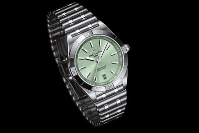 04_chronomat-automatic-36-with-a-pale-green-dial_ref.-u103800101l1a1.jpg
