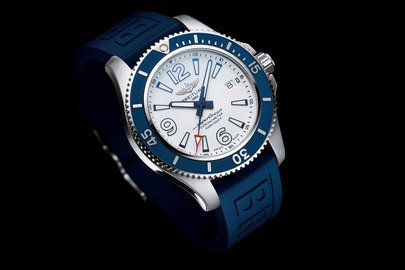 11_superocean_42_with_white_dial_and_blue_diver_pro_iii_rubber_strap_21711_19-03-19.jpg