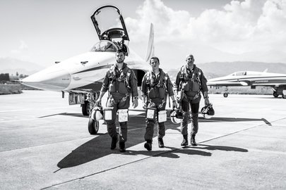 11_swiss-air-force-team-jet-pilots-captain-lukas-nannini-captain-claudius-meier-and-major-gunnar-jansen-left-to-right.jpg