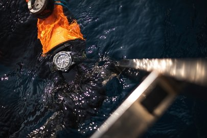 healthy-seas-diver-wearing-a-superocean-outerknown-on-his-wrist.jpg