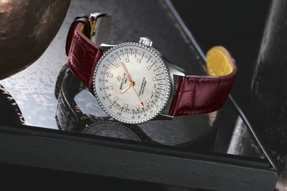 08_navitimer-automatic-35-with-a-white-mother-of-pearl-dial-with-diamond-hour-markers-and-a-burgundy-alligator-leather-strap-1.jpg