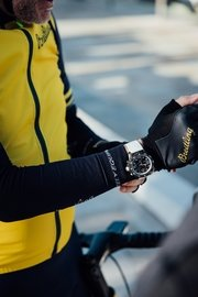 12_the-breitling-endurance-pro-on-the-wrist-at-the-breitling-century-in-palma-mallorca.jpg