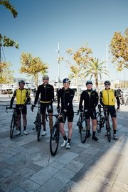 04_breitling-triathlon-squad-member-daniela-ryf-with-a-group-of-riders-during-the-breitling-century-in-palma-mallorca.jpg