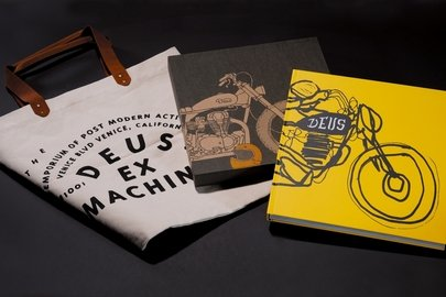 10_gift-with-purchase-on-breitling.com_deus-coffee-table-book-and-canvas-tote-bag.jpg