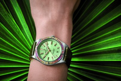 14_chronomat-automatic-36-south-sea-with-mint-green-and-green-alligator-strap_print-use.jpg