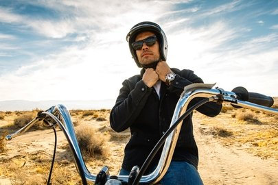 01_breitling-deus-squad-member-californian-surfboard-shaper-and-off-road-motorcycle-racer-forrest-minchinton.jpg